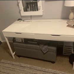 Desk/vanity Desk/IKEA DESK Thumbnail