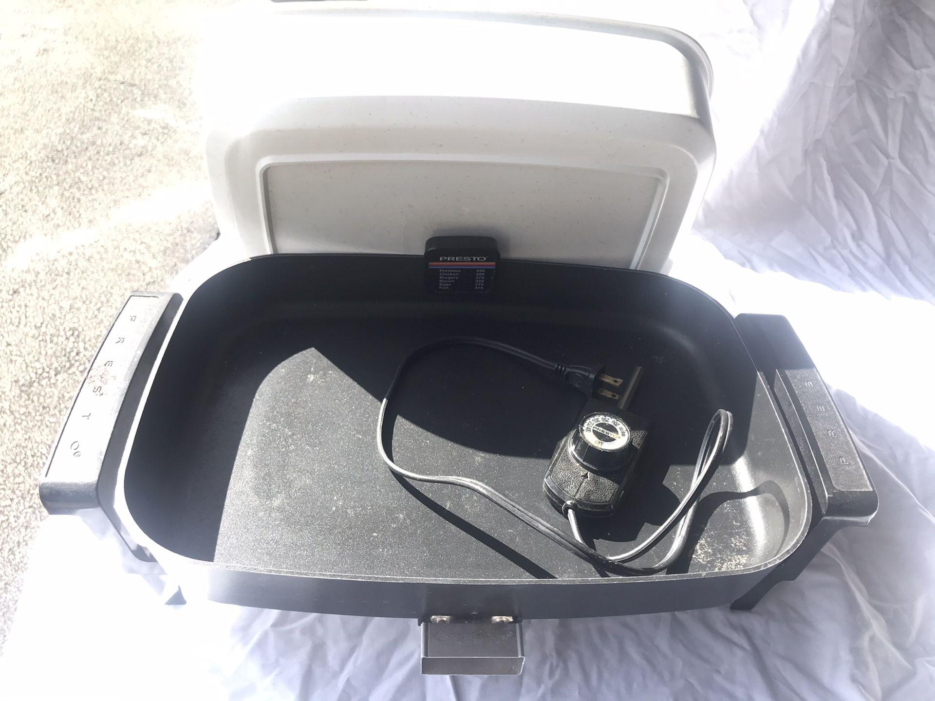 "Presto Countertop ELECTRIC SKILLET Frying Pan 15"" x 11"" Vintage 340G WORKS GREAT"