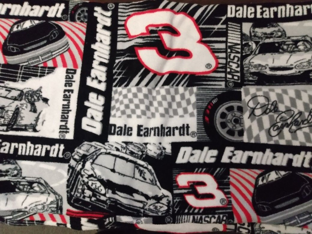 4 1/2' x 5' Dale Earnhardt 3 Soft Lap Throw Blanket