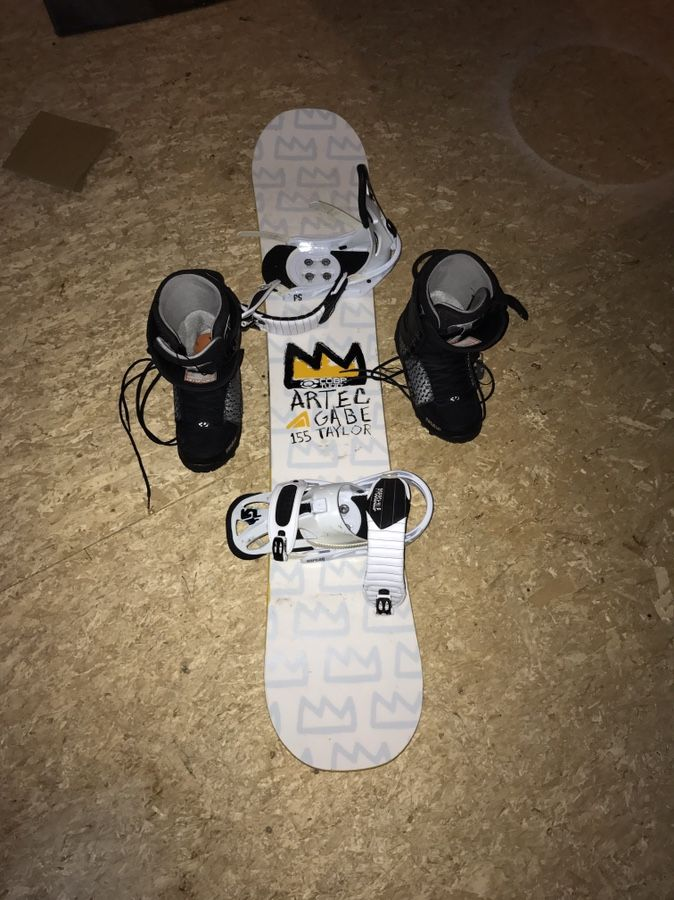 Artec GT 155CM snowboard boots and bindings