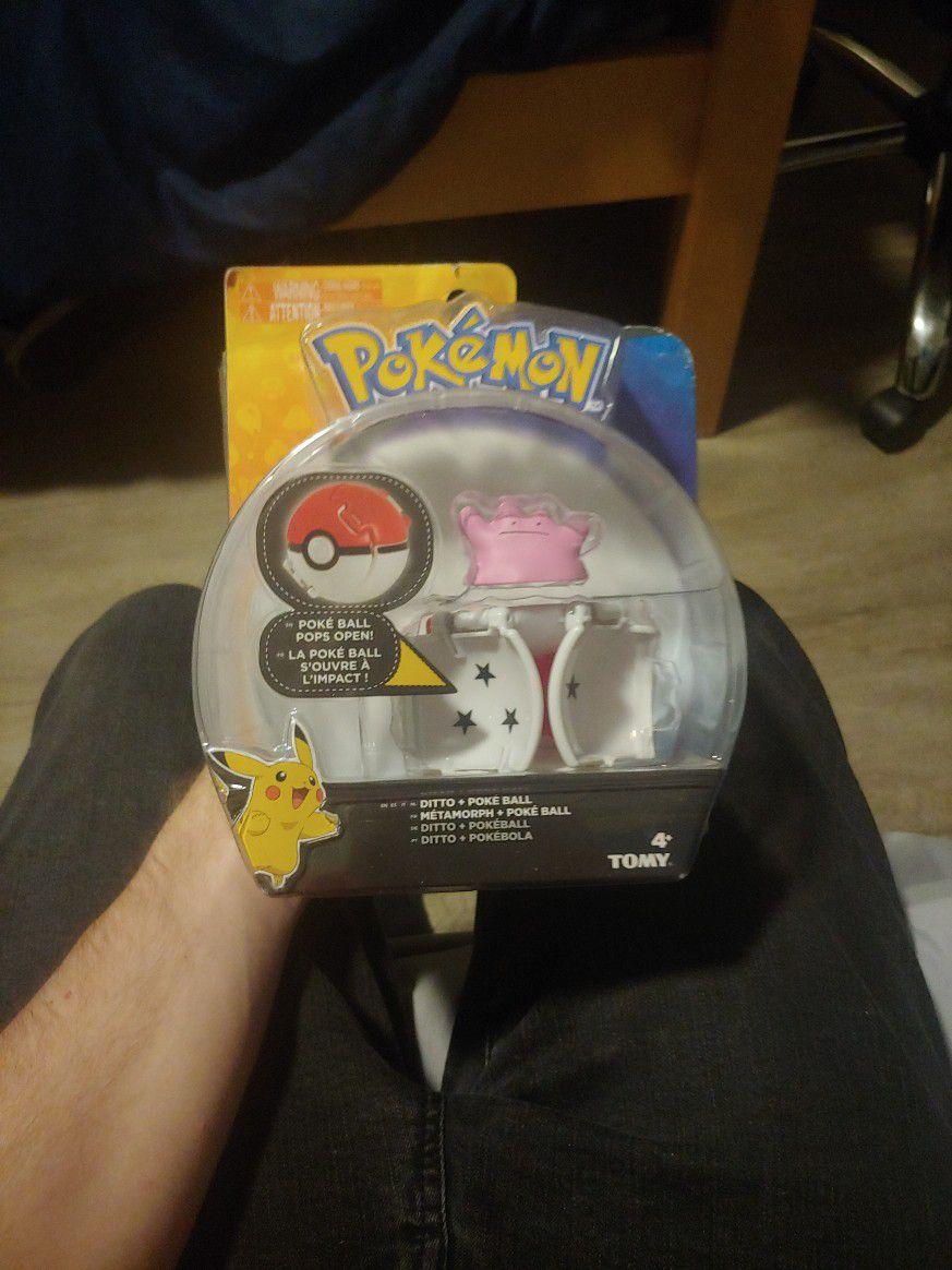 Pokemon Ditto Poke Ball - Pops Out!