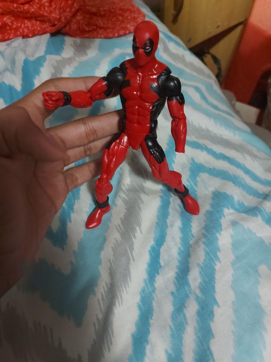 5 Marvel Action Figures, Deadpool, Iron Man, Ant Man, Captain America, Spiderman