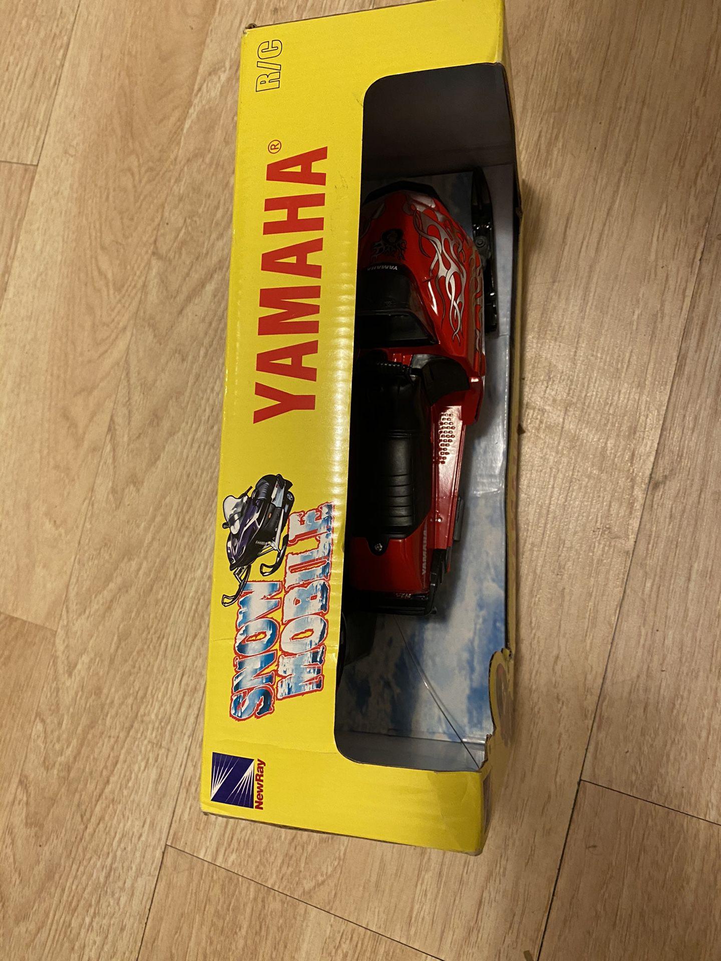 Remote Control Snowmobile Yamaha