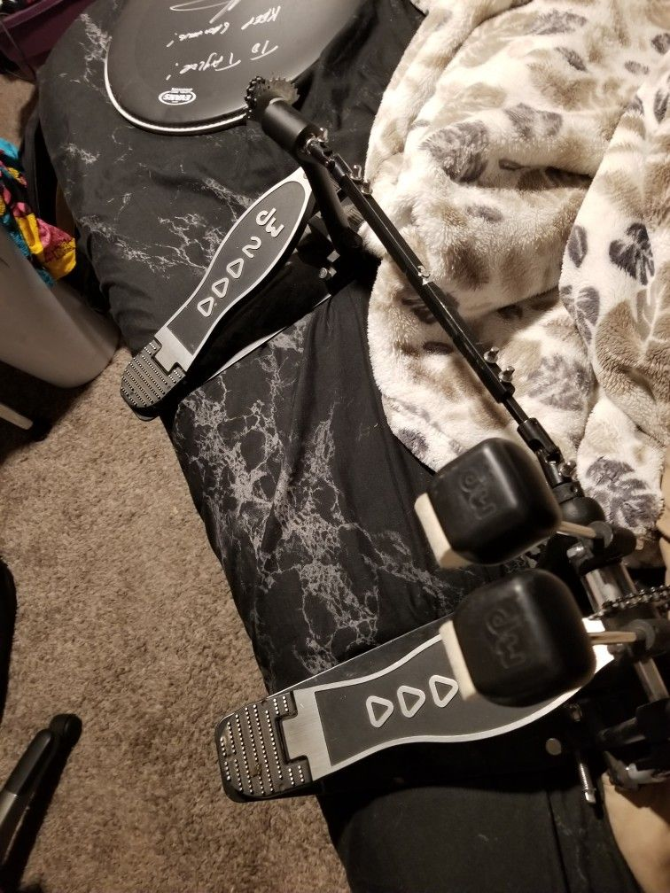 Dw 2000 Double Bass Pedal.