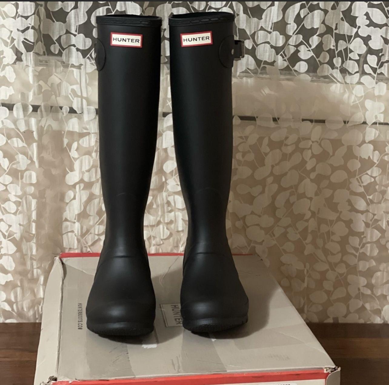 Hunter Classic tall Knee High Rain boots new