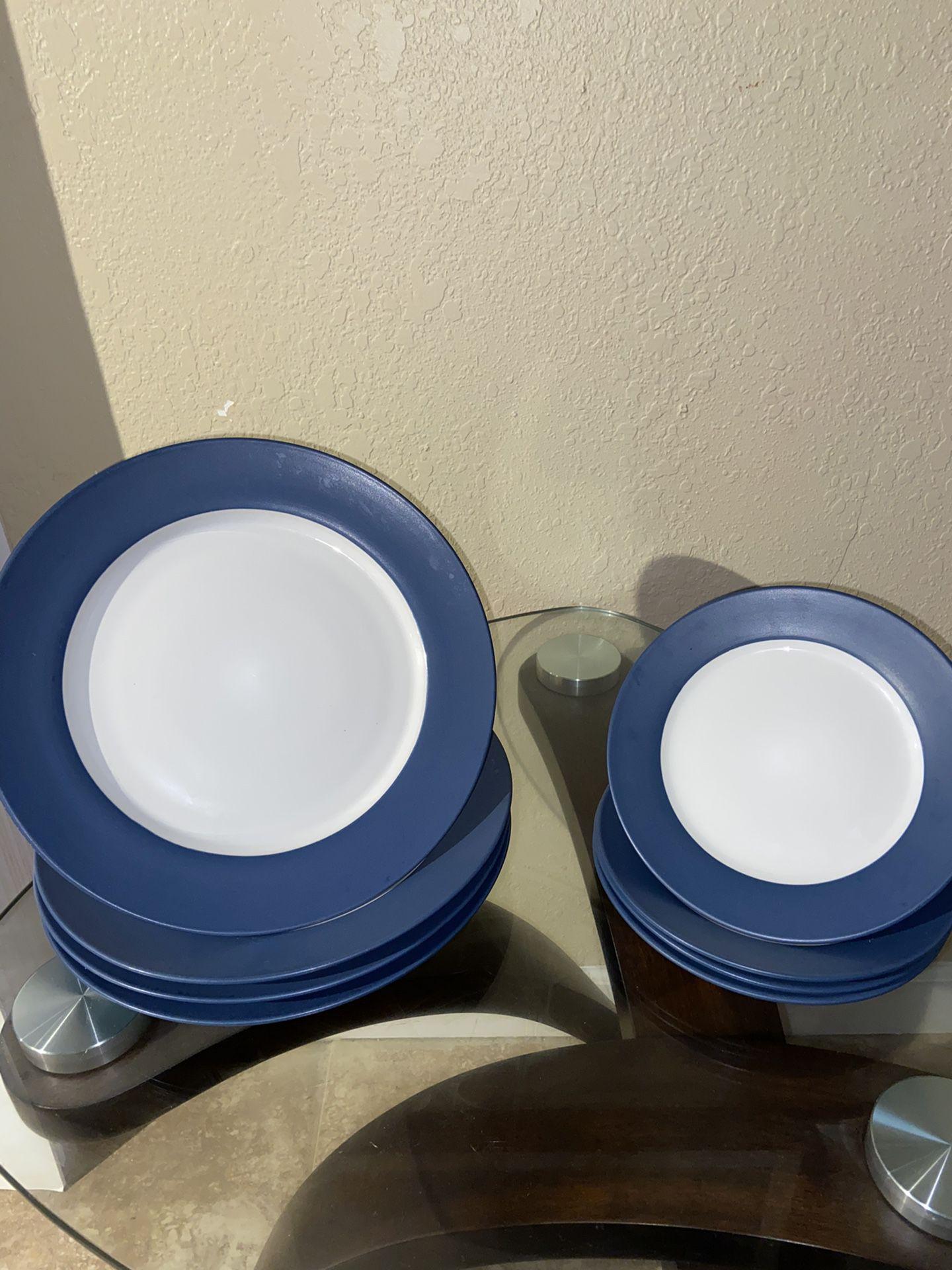 Pfaltzgraff 13-piece Dinnerware set in white and blue Matte