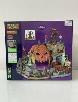 "Lemax Spooky Town ""Isle Of Creepy Jacks"" Halloween Village 2021  Thumbnail"