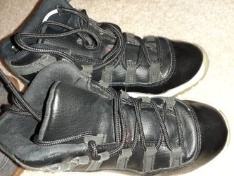 Boots, Jordans, and sperries Thumbnail