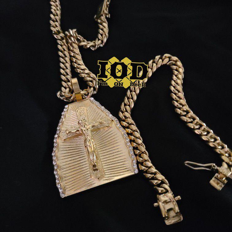 🚨🚨🚨 14k gold plated Cuban link set 🚨🚨🚨 I deliver