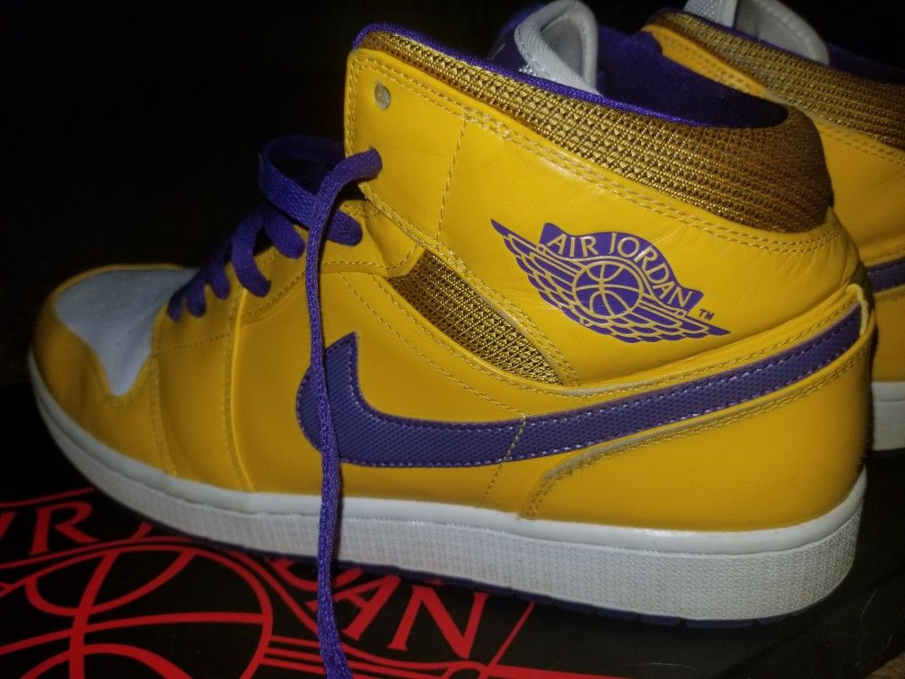 Lakers Mid Air Jordans Size 12 Like New
