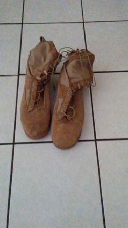 Military boots Thumbnail