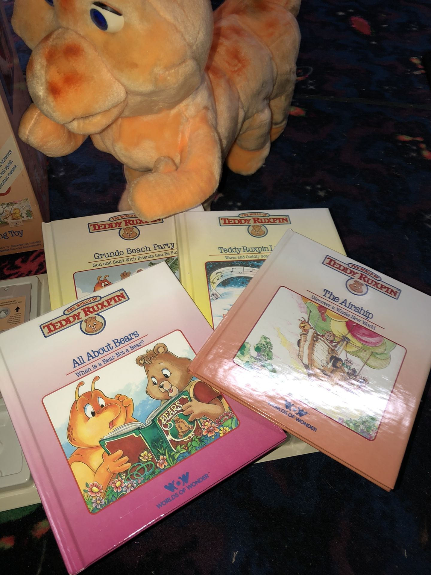 Worlds of wonder Teddy ruxpin and grubby toys