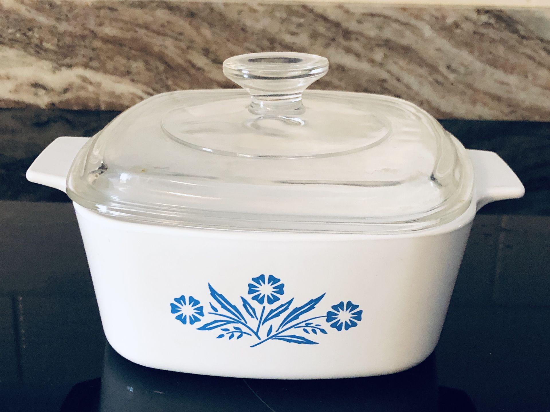 1.5 Quart Corning Ware Blue cornflower with lid