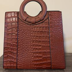 Leather Purse With Shoulder Strap Attachment  Thumbnail