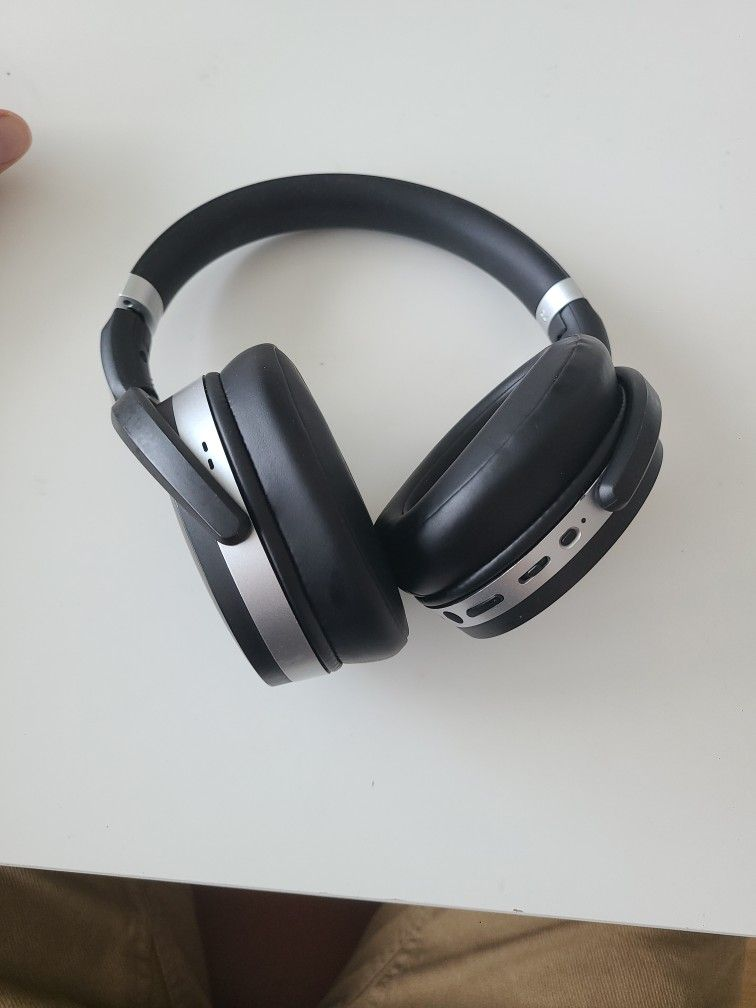 SENNHEISER HD 4.50 Bluetooth Wireless Headphones