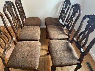 Dinning table with 6 chairs Thumbnail
