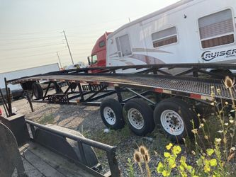 2016 Kaufman 3 car hauler trailer, in good condition, no cracks on the frame, new brakes and bearings,new tires. Ready to go on the road. Thumbnail