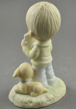 Vintage Precious Moments God Understands collectible figurine designed by Jonathan & David for Enesco Imports Thumbnail