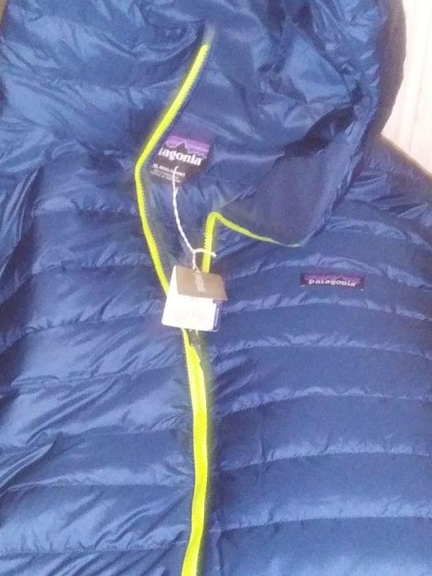 Patagonia Men's Sweater Down Jacket Size 2XL