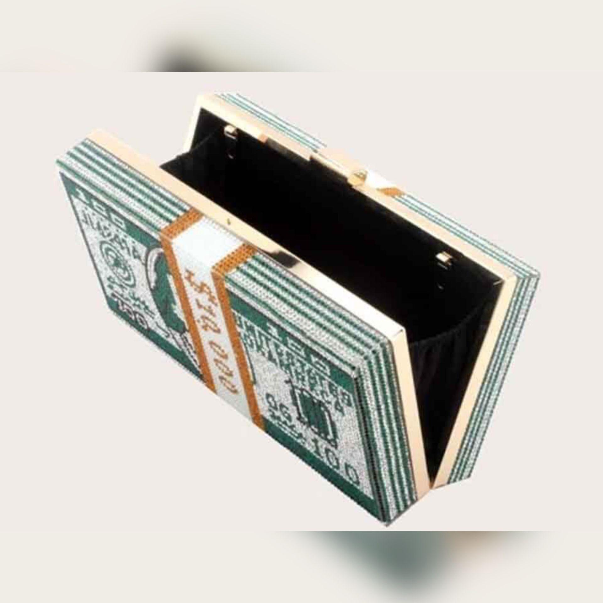 Women's Green Bedazzled & Pearls Crossbody/Clutch Gold Chain Money Bag