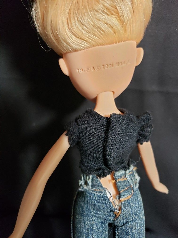 """Bratz doll blonde hair 2001 . Doll is 10"""" tall . Good condition and smoke free home."""