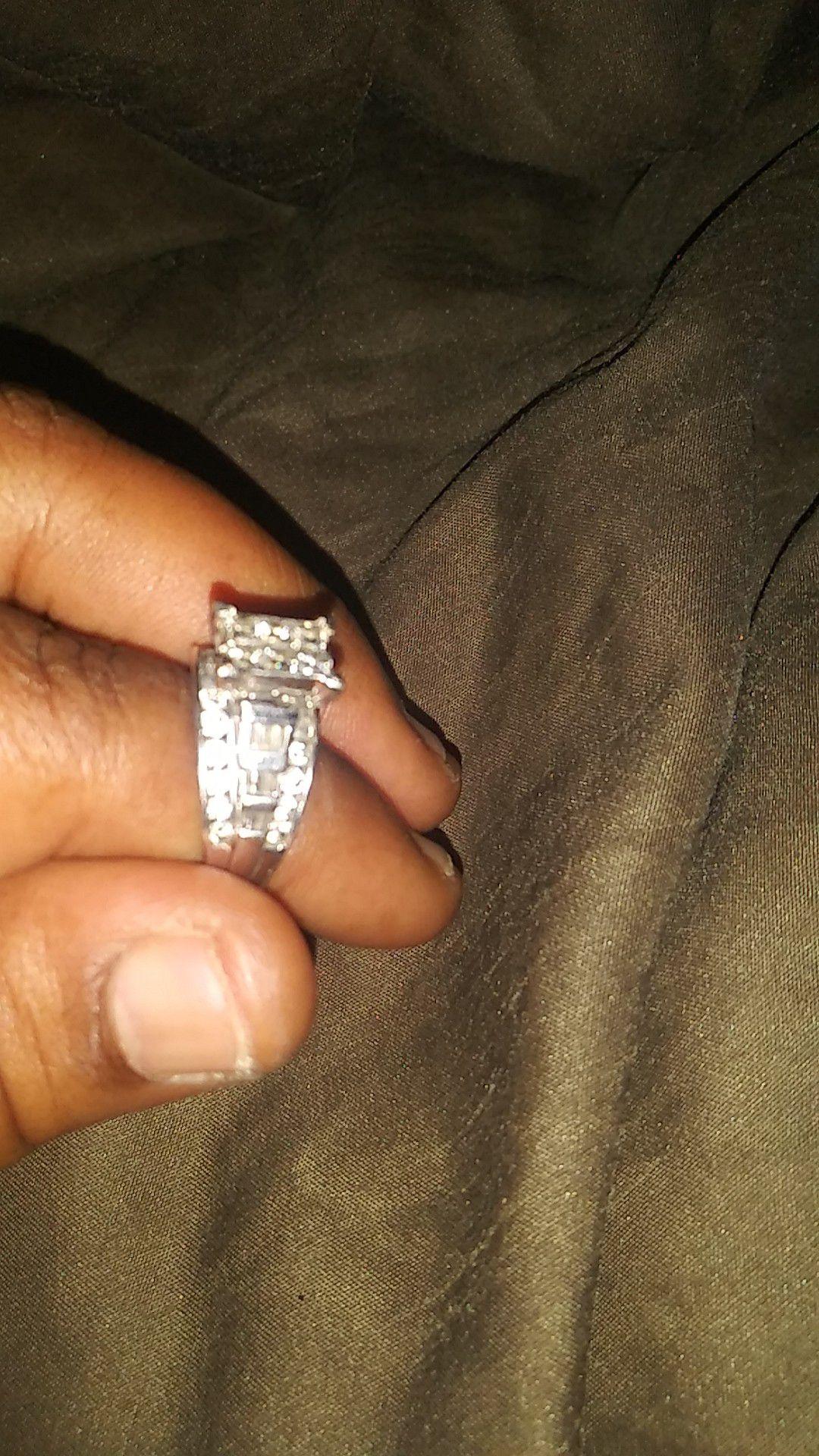 Engagement/wedding ring size (10)