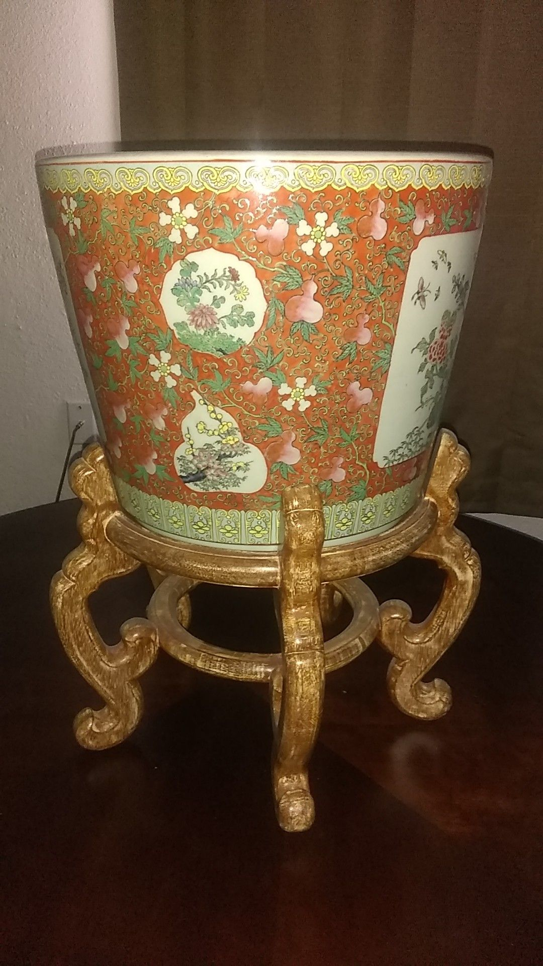 Asian fishbowl -w- stand or large vase