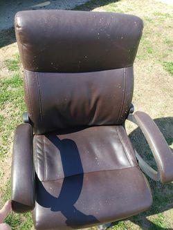 rolling chair Thumbnail