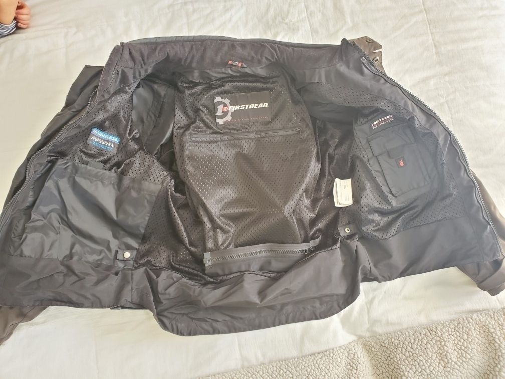 Large Men's First Gear Motorcycle Jacket w/liner