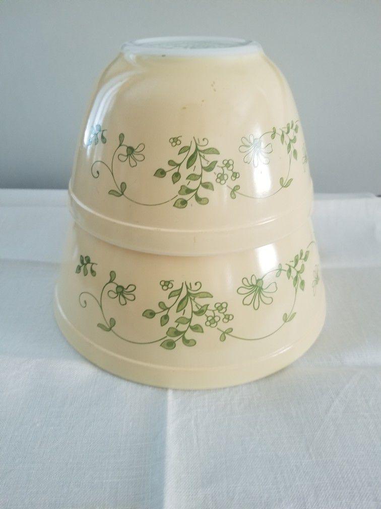 Pyrex Shenendoah Ivy Glass Bowl Set #401 and #402