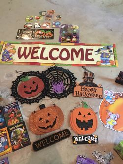 Halloween decorations, items, and crafts Thumbnail
