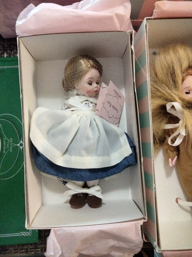 Estate Sale - Wizard Of Oz Collection
