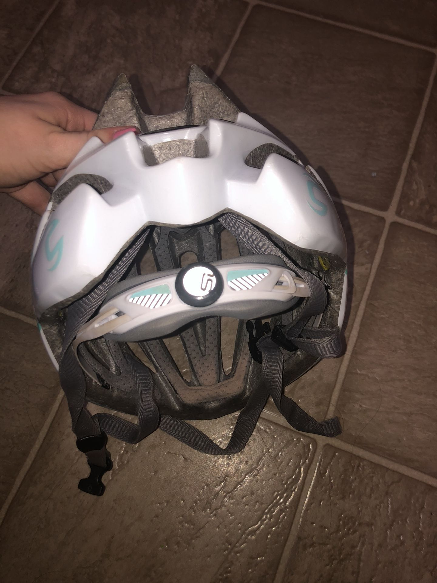 Cannondale adjustable sports helmet