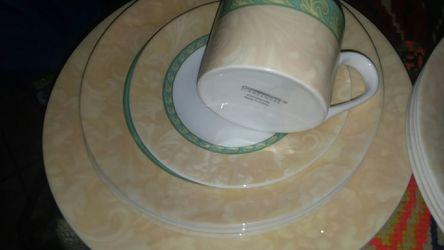 CORNINGWARE DINNERWARE PLATES BOWLS CUPS SET FLORAL LEAF BEAUTIFUL DESIGH Thumbnail