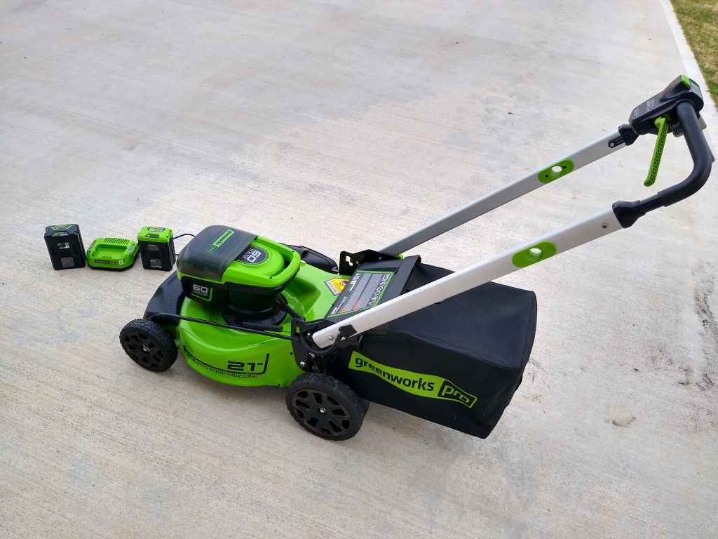 2020 Greenworks 60v Self-Propelled Lawn Mower +Two Batteries +Charger