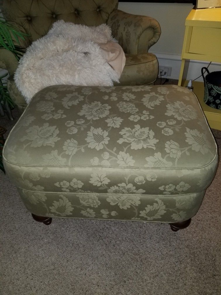 Ethan ALLEN tufted Chair N Ottoman *JUST REDUCED