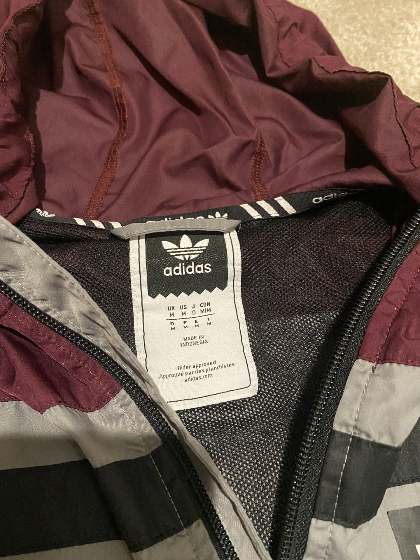 Adidas Grey/Burgundy Windbreaker Hoodie Jacket Size Medium