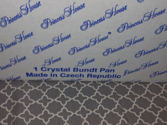 New Princess House Crystal Bundt Pan Thumbnail