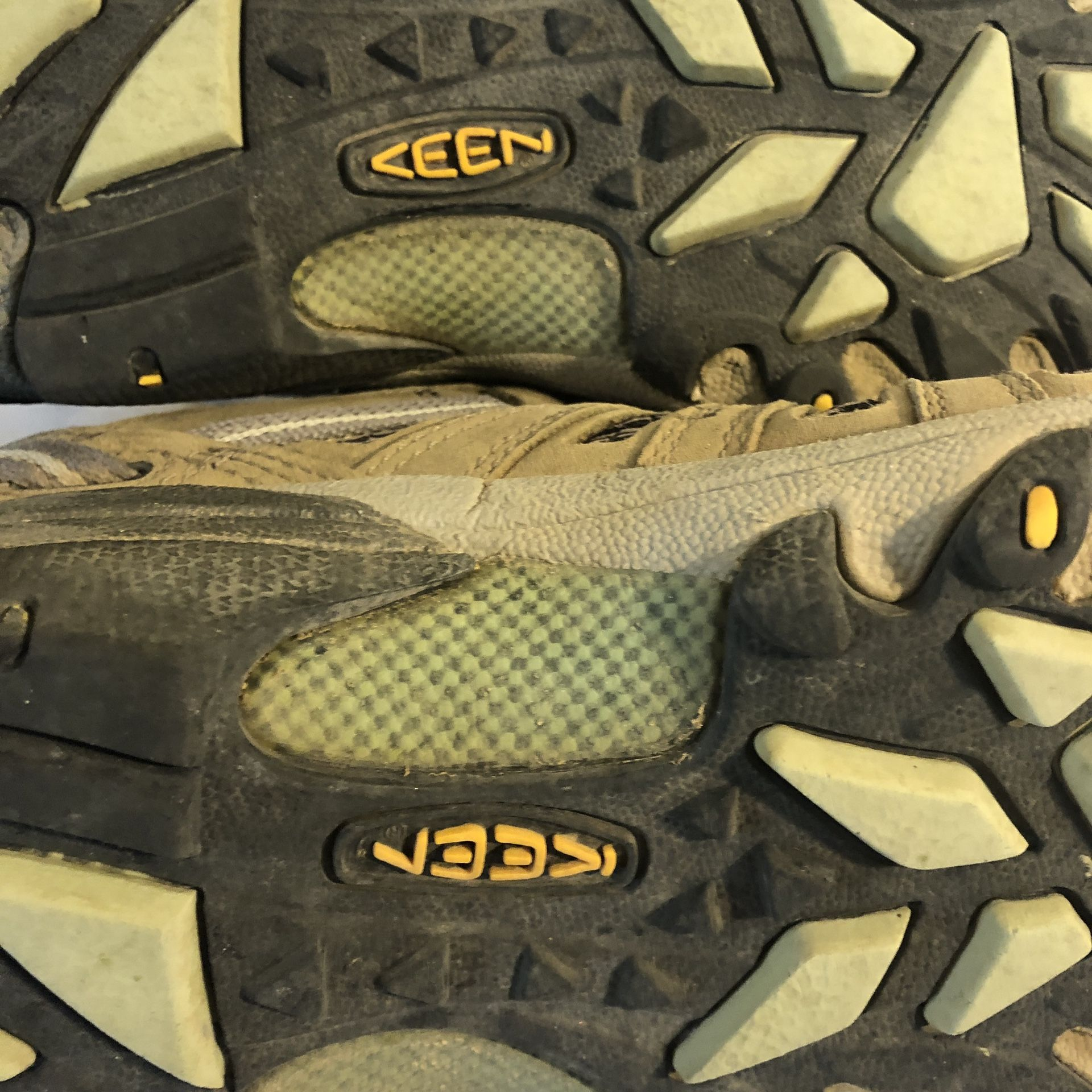 KEEN Women's Voyageur Brown Leather Hiking Trail Shoes Boots Size 8 1004270