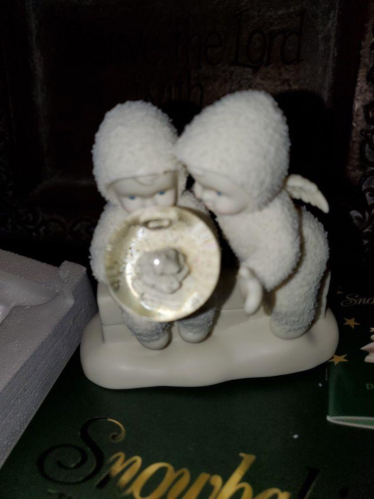 Figura de porcelana de snowbabies nueva en su caja mide 4.5 de alto