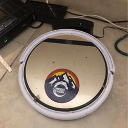 V90 Automatic Robot Vacuum With Remote Thumbnail