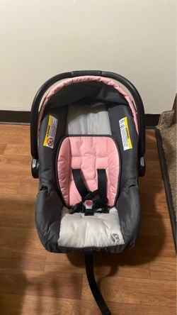 Baby Car Seat w/ retractable overhead shade cover ( BabyTrend ) Thumbnail
