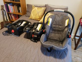 Graco car seat/base/stroller set Thumbnail