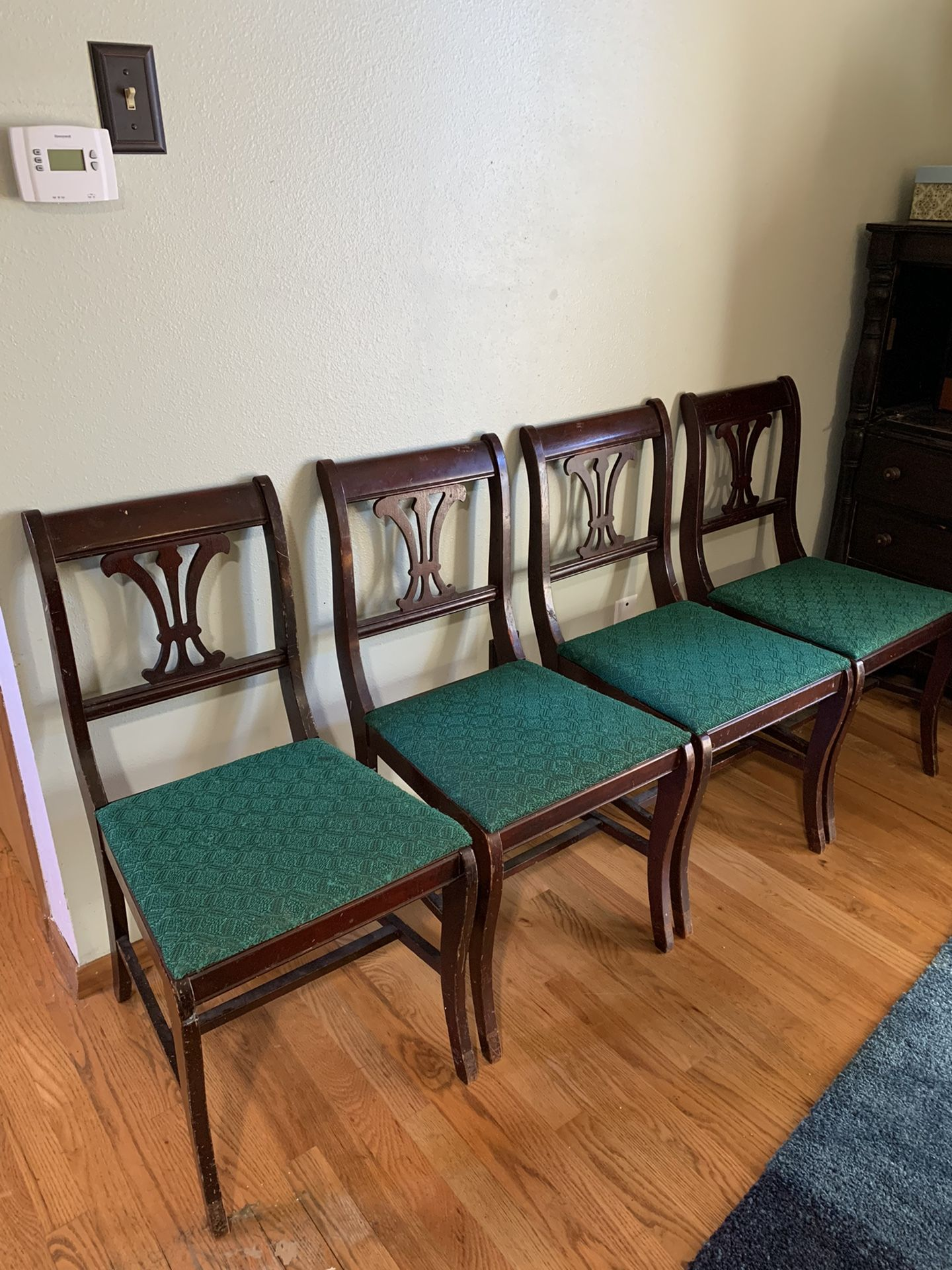 4 Antique Wooden Dining Chairs Retro Vintage!