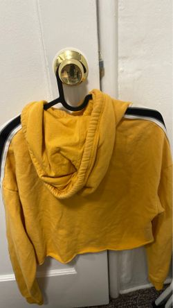 hollister cropped yellow hoodie Thumbnail