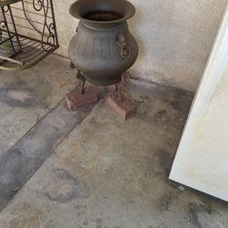 Antique Bronze Pot Thumbnail