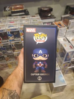 Funko Pop! Marvel Civil War Captain America Die Cast (2021 Summer Convention Exclusive) 01 Thumbnail