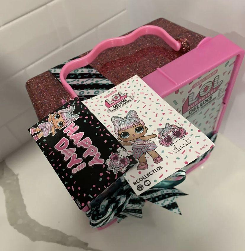 LOL Surprise Deluxe Present Pink