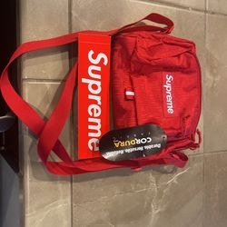 Supreme Shoulder Bag   Brand New With Tag And Sticker On It  Thumbnail
