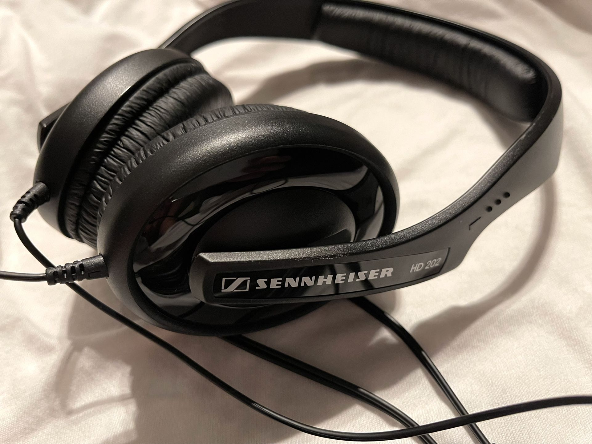 SENNHEISER PROFESSIONAL WIRED HEADPHONE